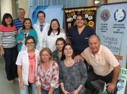 Todo el equipo reunido: Médica Clínica, Podólogas, Leones y Oftalmólogo